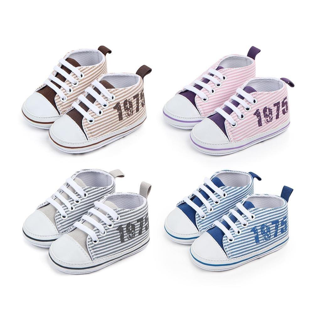 Zapatos casuales multicolores a rayas de color azul marino para bebé, zapatos de lona transpirables de suela blanda para bebé, zapatos antideslizantes para 0-18M
