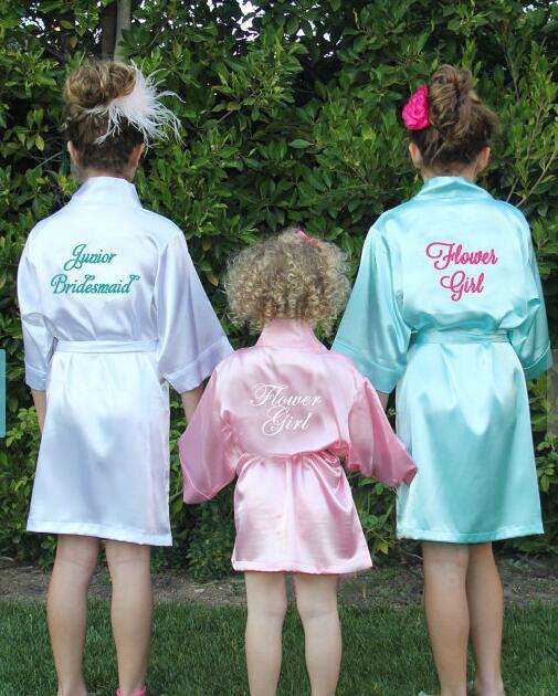 Personalizada flor chica impresa boda despedida de soltera dama de honor novia satén pijamas túnicas, kimonos regalos decoraciones de fiesta