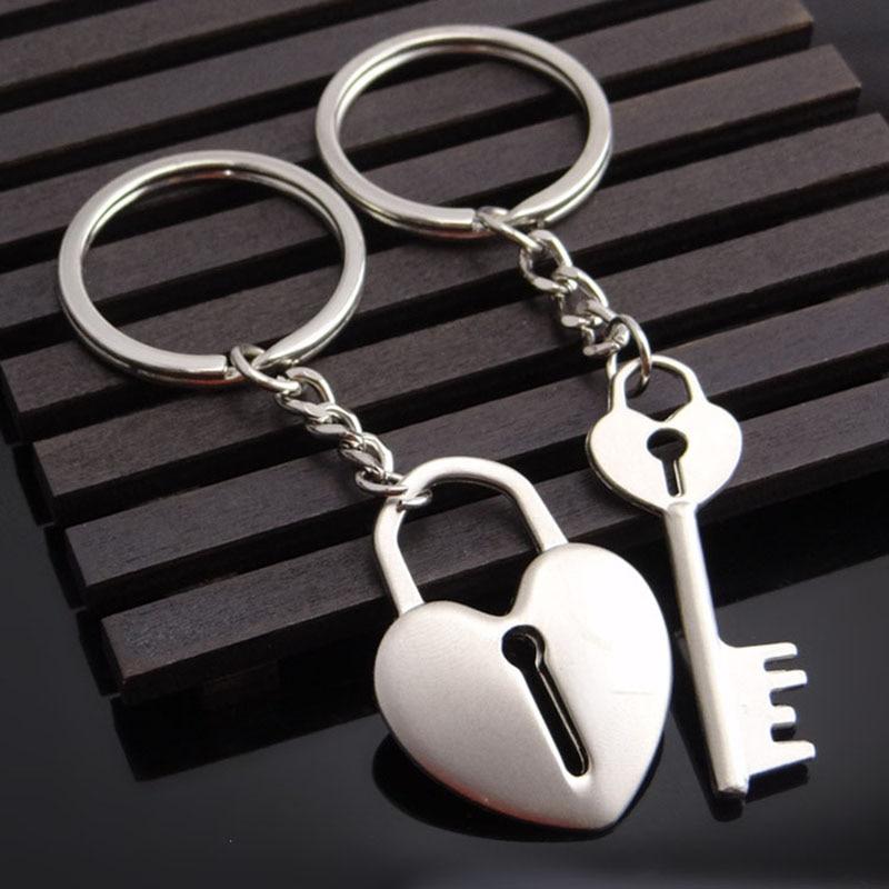 Llavero de corazón con diseño de pareja para coche, accesorios de coche para LADA Mazda Fiat Hyundai Infiniti ISUZU Lexus MINI Cooper Peugeot
