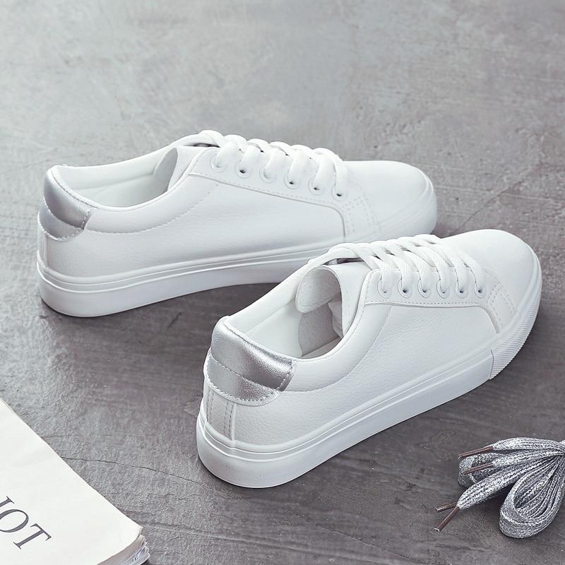 أحذية أنيقة امرأة 2019 ربيع جديد عادية الكلاسيكية بلون بو أحذية من الجلد المرأة حذاء أبيض غير رسمي أحذية رياضية