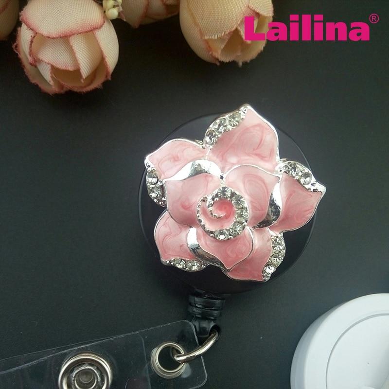 Promoção preço pequeno esmalte rosa flor médica luta retrátil distintivo/broche para enfermeira professor titular do cartão de identificação