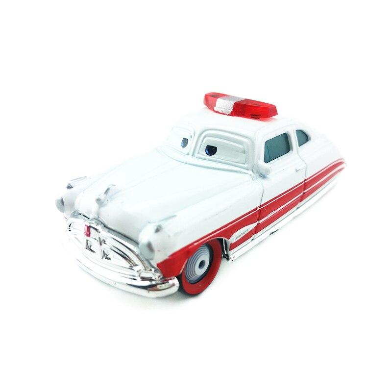 Disney pixar carros doc hudson ambulância metal diecast carro de brinquedo 155 solto nova marca em estoque & frete grátis