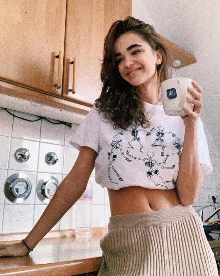 Женская футболка со скелетом Tumblr Grunge, белая, хипстерская, художественная, HAHAYULE-JBH