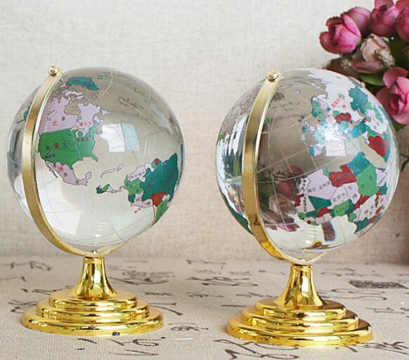 Nuevos regalos de cristal para amantes artesanías de cristal blanco impecable cristal globo chino con regalos de palabra