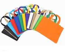 30*40*10CM 20 pièces de haute qualité 13 types de couleur Non-tissé sac sac à provisions avec poignée sacs à vêtements