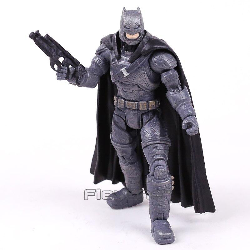 Figura de acción de Batman V, Superman, amanecer de la justicia, Batman, juguete de modelos coleccionables de PVC acorazado, 17cm