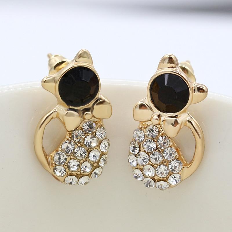 Hermoso cuerpo de cristal brillante Negro cabeza de diamante de imitación gato elegante oro piercing pendientes joyería de moda para mujeres