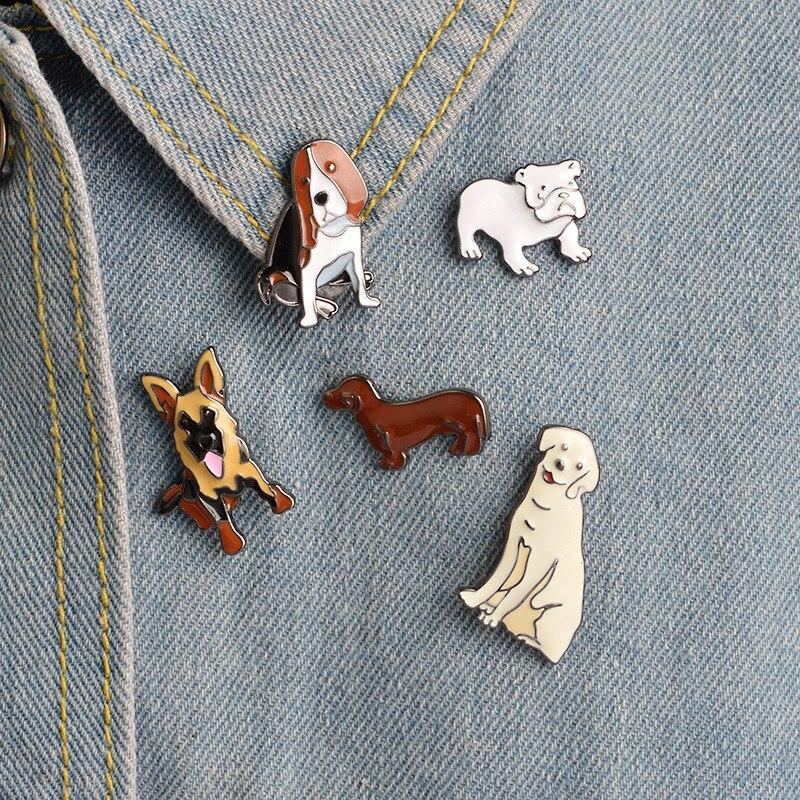 Broche creativo de dibujos animados Animal mascota perro Bulldog pelo dorado Dachshund Pug esmalte Metal broche Denim chaqueta aguja de cuello joyería