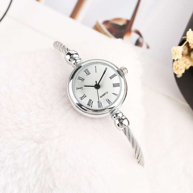 Trendy Elegant Roman Number Dial Lady Wrist Watch Stainless Steel Band Quartz Women Watch Bracelet Clock Gift for Girl Mini Size