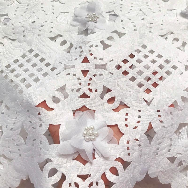 Бесплатная доставка (5 ярдов/шт) Высококачественная Белая африканская кружевная ткань с 3D цветами и бусинами для вечеринки CLP223