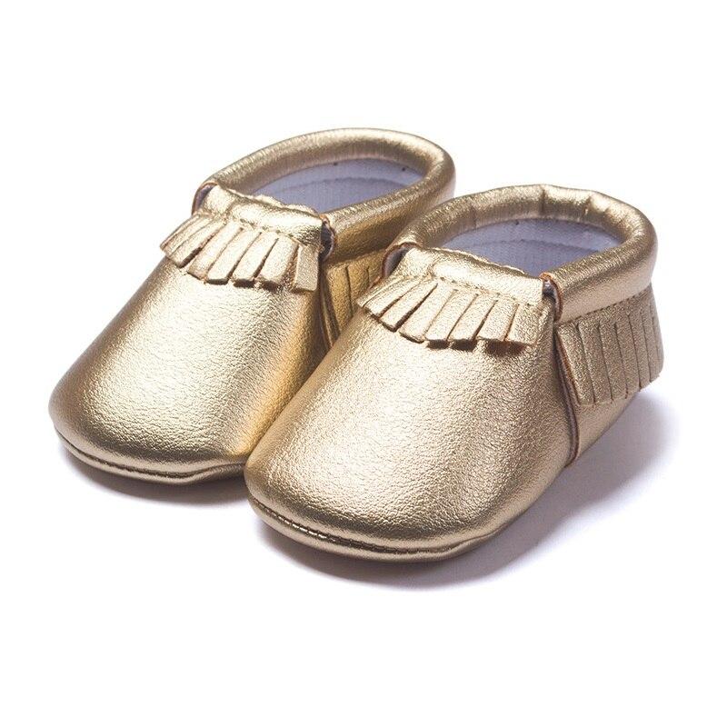 Золотая обувь для маленьких мальчиков; Детские мокасины; Bebe; Кроссовки для малышей; Первые ходунки из искусственной кожи; Мягкая обувь для новорожденных с бахромой; Мягкие носки из искусственной кожи