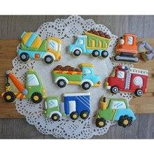 8 unids/set de dibujos animados lindo herramientas para cortar galletas 3D de plástico forma de coche molde para pan de jengibre de pastelería estampado Cookie molde para hornear galletas