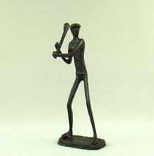 Estatua de bateador de Metal hecho a mano de hierro fundido abstracto decoración deportiva arte y accesorios de adorno artesanal