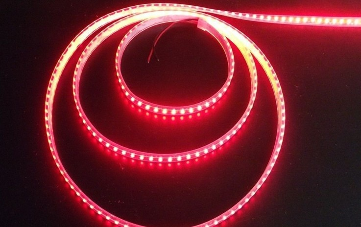 Venta al por mayor 5050 rgb 5m led cambiable tira de luz roja tira de luz 5m 300 LED envío gratis