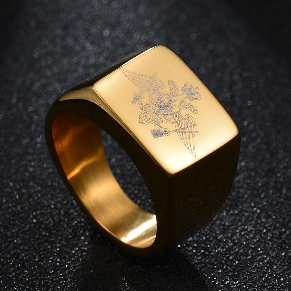 Nuevo anillo de águila de acero inoxidable pulido A la moda escudo de la fuerza rusa anillo banda anillo motociclista para hombres