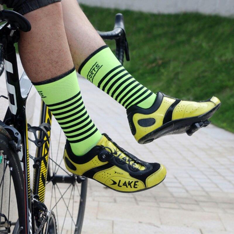 Deporte al aire libre profesional transpirable MTB montaña bicicleta calcetines ciclismo proteger los pies calcetines ciclismo homb