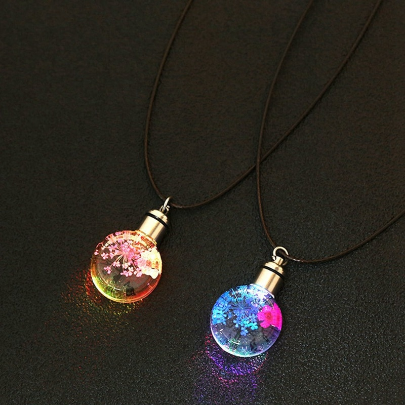 Europeo y americano flores secas LED luminoso collar con flores de encaje encanto deseando cristal collar de bola de vidrio
