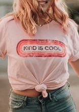 Mujeres Kind Is Cool camiseta de verano señoras de manga corta Superior Femenina Harajuku Kawaii Harajuku rosa claro Tee de talla grande ropa coreana