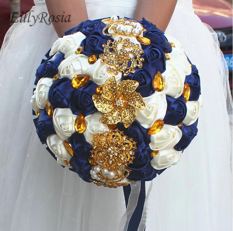 Azul real oscuro azul Vintage nupcial ramo para la boda joyería de oro broche cristales marfil satén rosas hecho a medida flores de boda