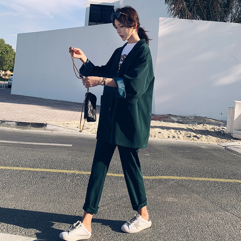 Set female 2019 fashion new women's suit Korean version of the large size loose suit jacket nine points wide leg pants two-piece pants pants summer seven sleeved suit suit male korean version of the slim fashion hair stylist trend leisure suit two piece