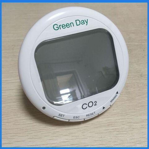 جهاز اختبار تركيز غاز CO2 ، جهاز رياضي سريع ، نطاق 0 ~ 9999 جزء في المليون AZ7788 مع إنذار درجة الحرارة والرطوبة