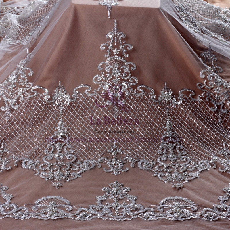 Кружевная ткань La Belleza, цвет слоновой кости/черный/золотой