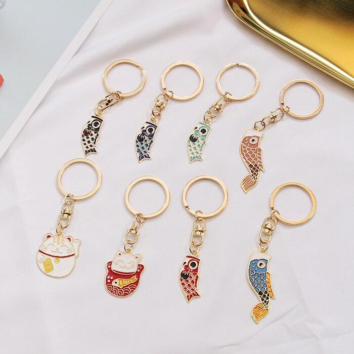 LLavero de gato de la suerte de Omamori, colgante de Metal de pez de la suerte, llavero de bendición de buena suerte, colgantes de bolso de dijes, regalo J20