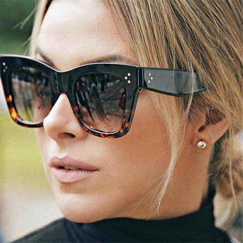 Luxury Rectangle Sunglasses Women Brand Designer PC Frame Gradient Lens Classic Rivet Shades Female
