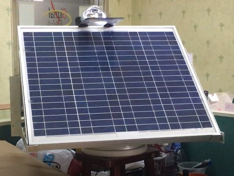 وحدة تعقب الشمس مع محرك دوار
