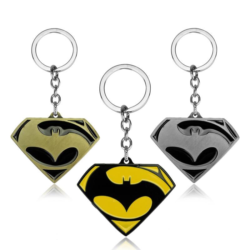 Joyería de película HANCHANG DC Comics Superman Batman figura de acción llavero de Metal Superman Batman Logo colgante chapeiro regalo para hombres