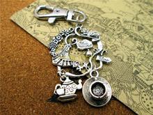Porte-clés haute qualité porte-clés Alice au pays des merveilles couronne Alice au pays des merveilles, théière et tasse, porte-clés lheure du thé