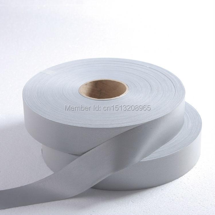 TM9806 1 cm de ancho * 100 yardas de largo. ¿100% poliéster (R> 420 cd/lx? m2) tela class2 para costura reflectante