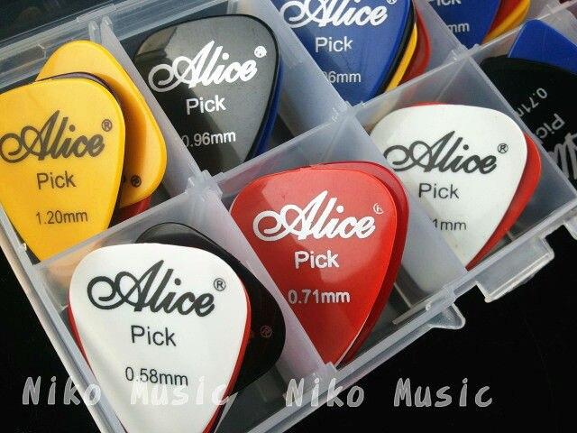 50 Uds. Guitarra eléctrica acústica púas para guitarra + 1 caja de plástico caja envío gratis