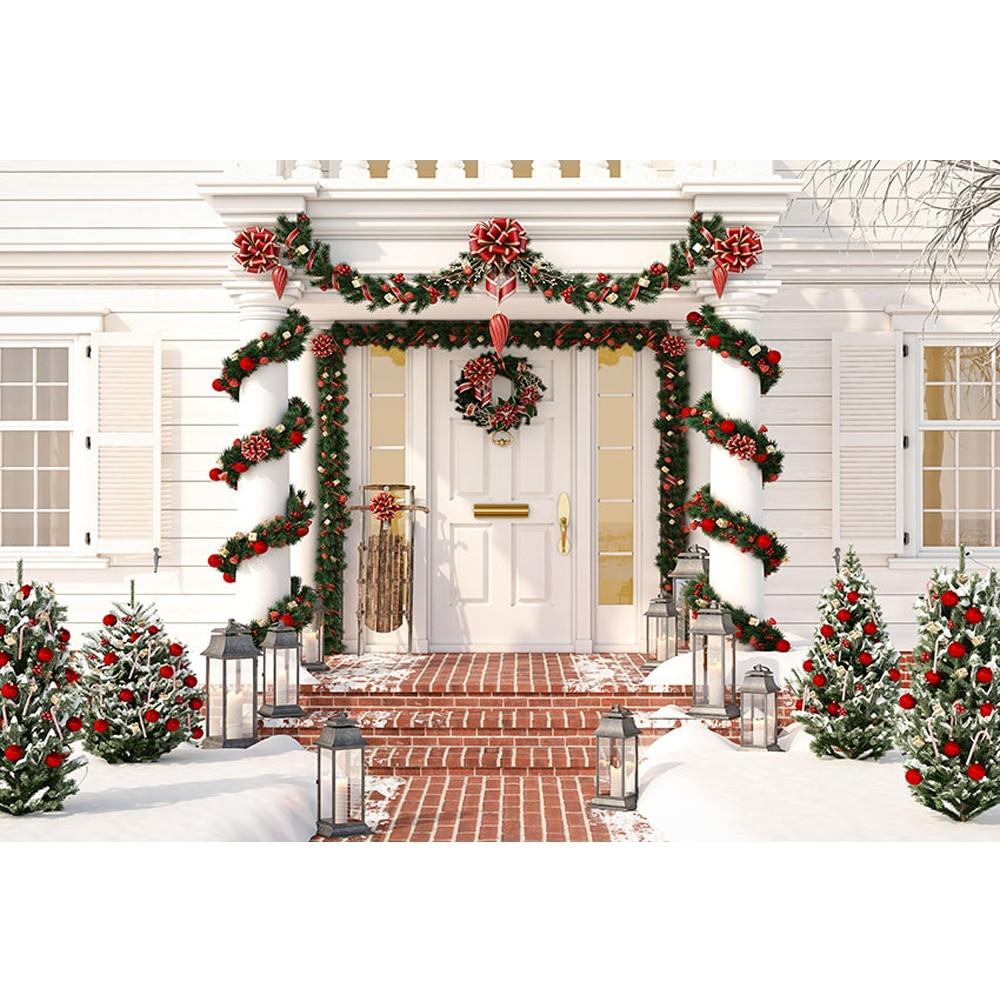 Fondo de fiesta de Navidad de invierno de puerta delantera impreso guirnalda enredados pilares bolas rojas Pino árboles niños foto telones de fondo