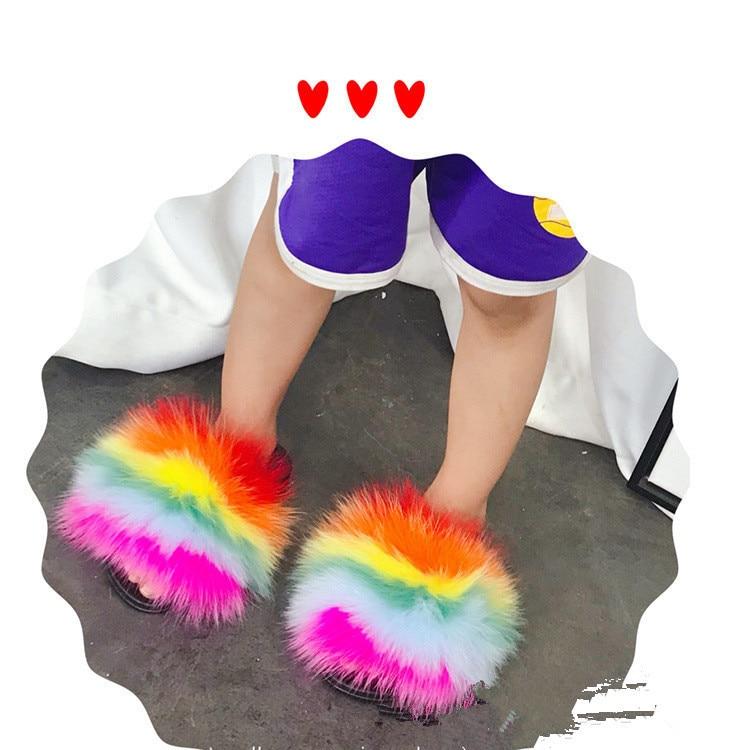 100% al por mayor, pantuflas de zorro auténtico para niños, chanclas de invierno para niños, deslizadores de casa para niñas, mapache esponjoso, chanclas planas para playa y verano