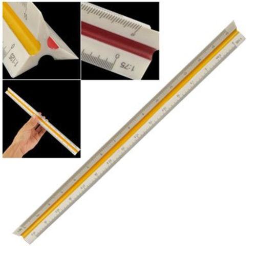 medicion-con-regla-de-escala-triangular-de-plastico-1-ud