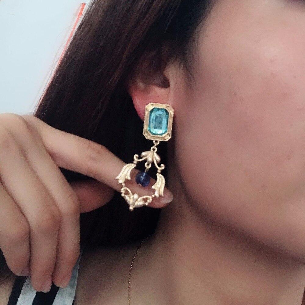 Envío Gratis, nuevos pendientes de Clip geométricos a la moda, pendientes elegantes de Clip con cuentas azules