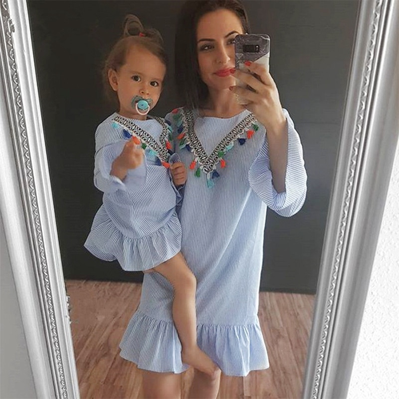 Recién Nacido niña familia juego ropa vestido para madre e hija nueve cuartos raya borla Mini madre e hija trajes