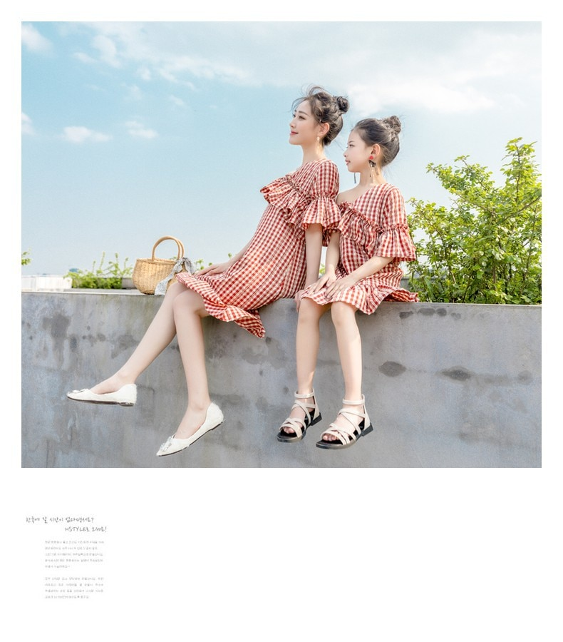 Summer Family Matching Clothes Red and White Plaid Mother Daughter Dresses Strapless Ruffled Mom Daughter Dresses Family Look
