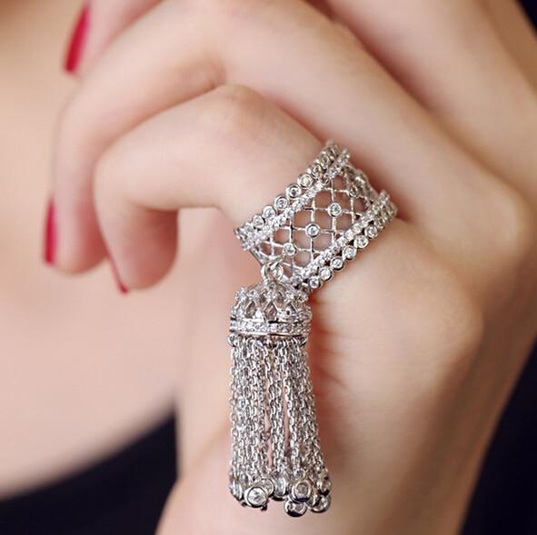 ¡Producto en oferta! Blasted micro-anillos de zirconia, anillos de apertura con borlas de trigo perforado para novia, anillo hueco de metal Siamés