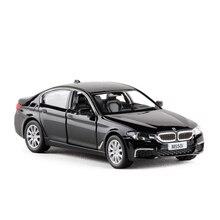 Haute Simulation RMZ City 1:36 Diecasts modèle jouet voiture métal BMWm550I classique alliage Bus modèle excellents jouets pour enfants cadeaux