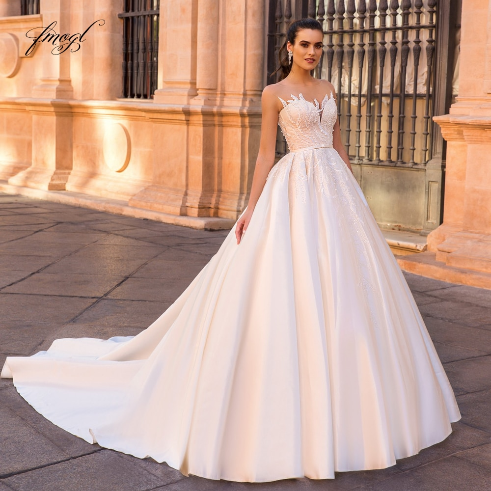 Fmogl Sexy Illusion Matte Satin Ball Gown Wedding Dresses 2020 Luxury Appliques Sequined Chapel Train Lace Vintage Bridal Gowns