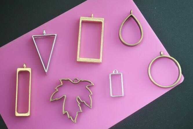 5pcs hollow blank Pendants frame jewelry finding Handmade Craft Floating locket round Rectangle Triangular maple leaf Strip drop