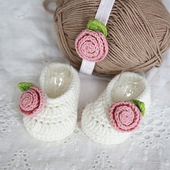 QYFLYXUESweet, flores hechas a mano, princesas, bebés, zapatos, pies suaves, luna llena, regalo de 100 días.