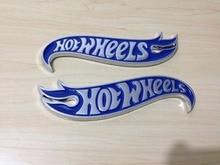 1 çift Krom ve mavi Sıcak Tekerlekler Alevler Amblem Rozeti Hot Rod, Mustang, Camaro