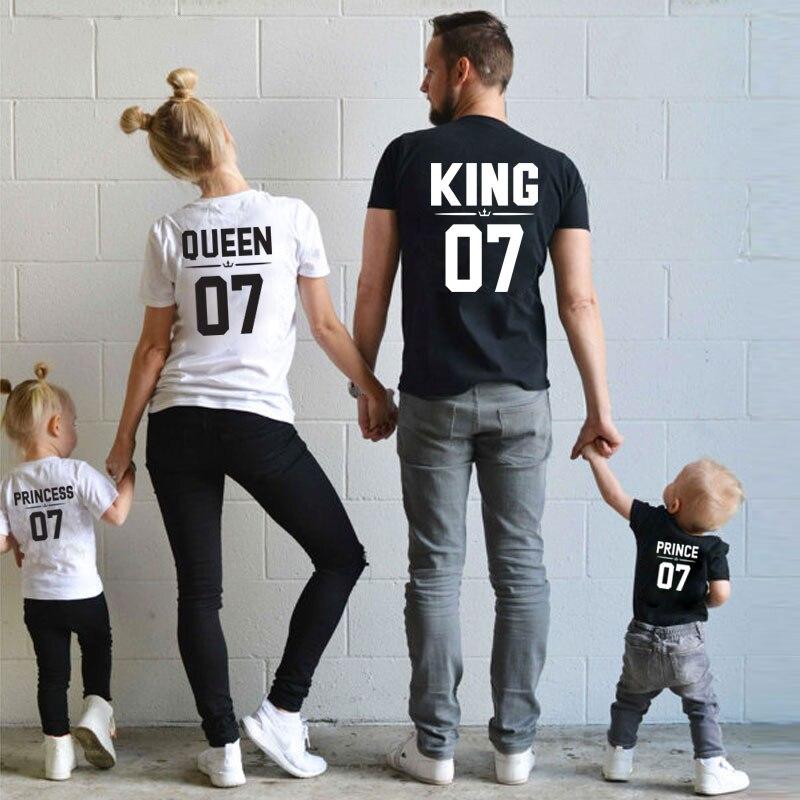 Модная Одинаковая одежда для всей семьи, футболка с принтом «Папа, мама и я», платье для маленькой девочки с принтом «King Queen», одежда для сестер, brothers