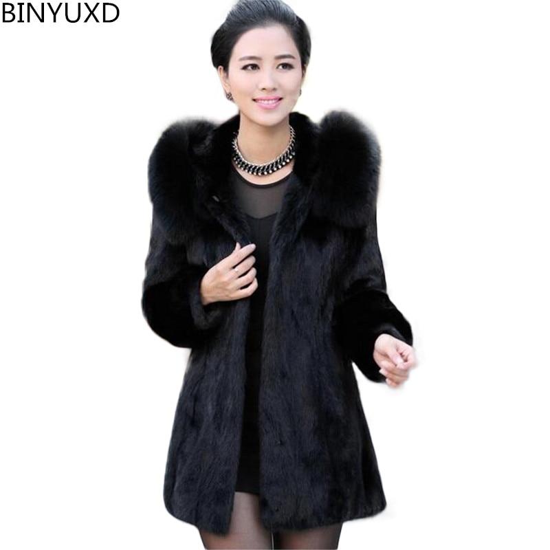 Фото - Роскошное пальто BINYUXD из искусственного кроличьего меха, Женское зимнее пальто, модное женское пальто средней длины с капюшоном и воротнико... пальто средней длины с капюшоном