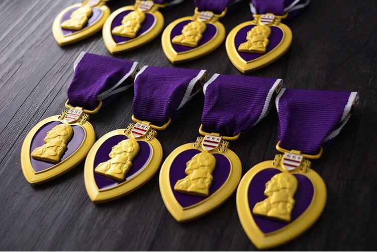 Envío Directo de calidad Superior del Ejército de EE. UU. De América púrpura corazón militar medalla insignia para pecho clección pecho medallas con caja