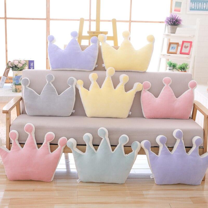 Almohada en forma de corona, almohada Squishy de tres puntos y cinco puntos con decoración de corona de Príncipe Princesa, almohada de felpa para sofá, almohada púrpura/amarillo/rosa/gris