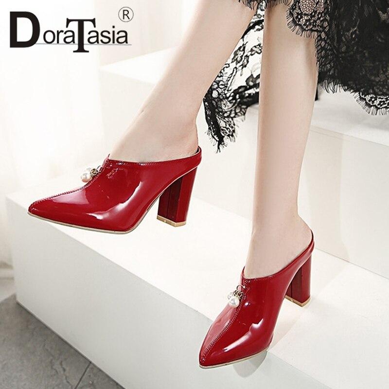 DoraTasia/новый бренд размера плюс, размер 30-48, из Pu искусственной лакированной кожи, с жемчугом женская обувь на высоком каблуке, Повседневные Вечерние пикантные летние вечерние туфли без задника
